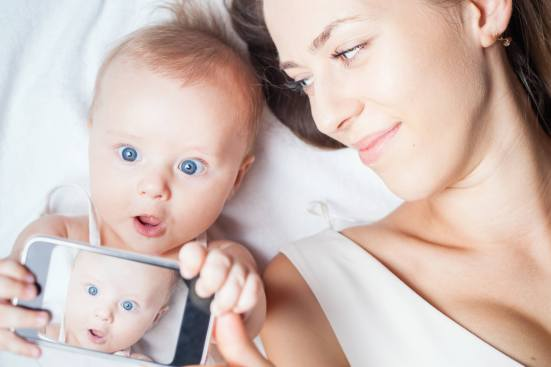 mother-baby-with-smartphone.jpg